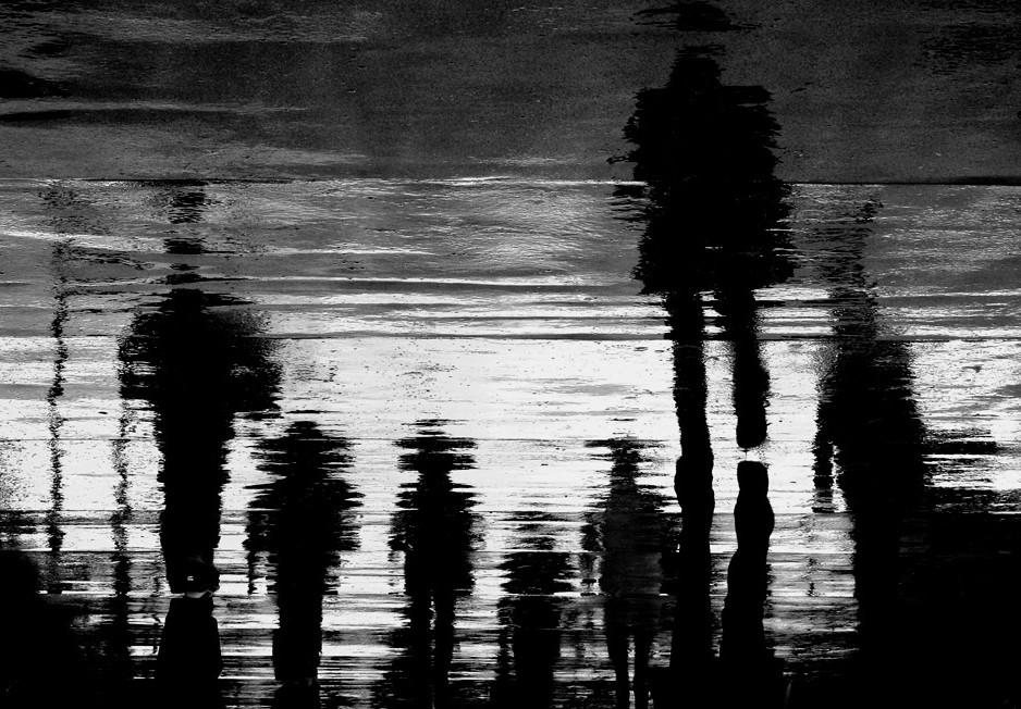 Отражения на асфальте. Anja Buehrer.